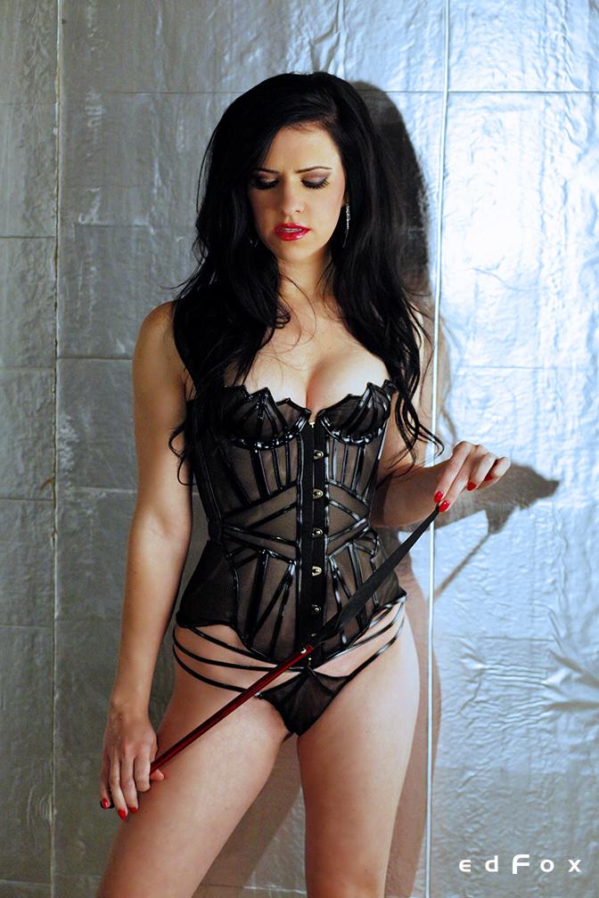 Mistress Justine Cross